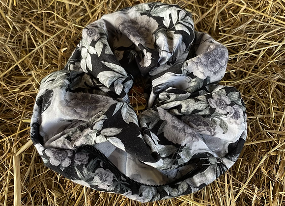 Kez scrunchie (Skull) (large)