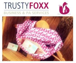 Trusty foxx scarf