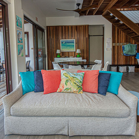 Indoor Outdoor living.  Open the sliding doors to enjoy the tropical breezes.