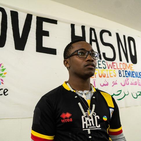 ATHÈNES : UN ABRI, MAIS PAS LE PARADIS POUR LES RÉFUGIÉS LGBTQIA+