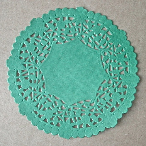 "10920 6"" Green Lace Doilies Packaged"