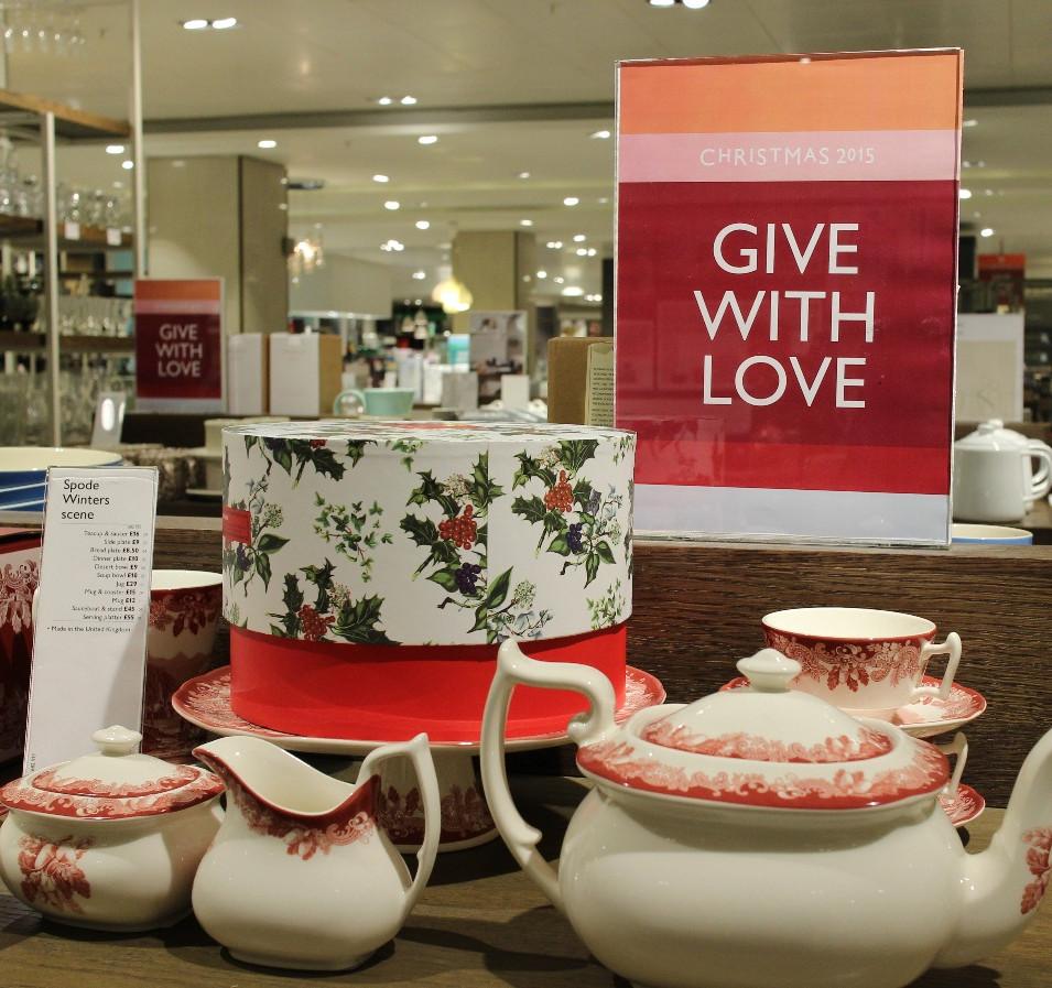 Christmas retail campaign copywriting.jp