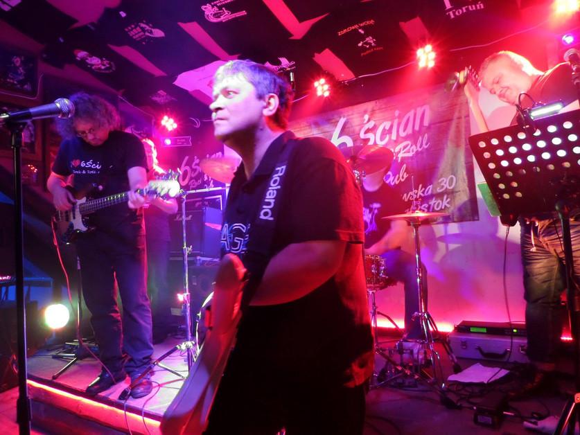 AGE in Bialystok, Poland 'Pub 6-Ścian'