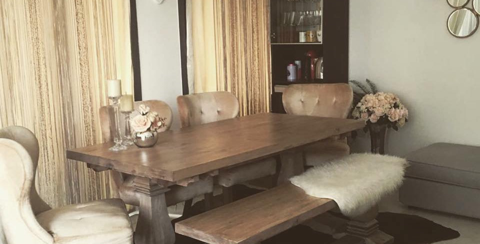 Chunky Curved Legs Dining Set