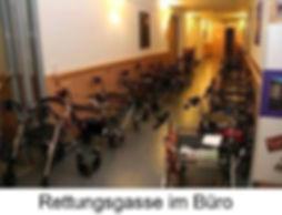 csm_rettungsgasse_6aa5407f20.jpg