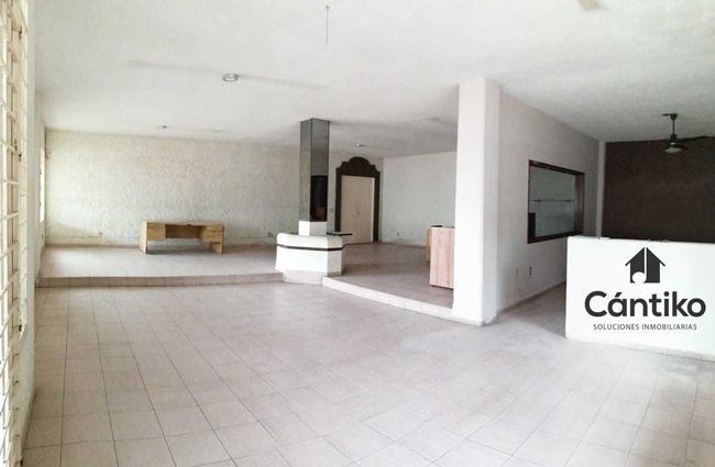 4 Interior.jpeg