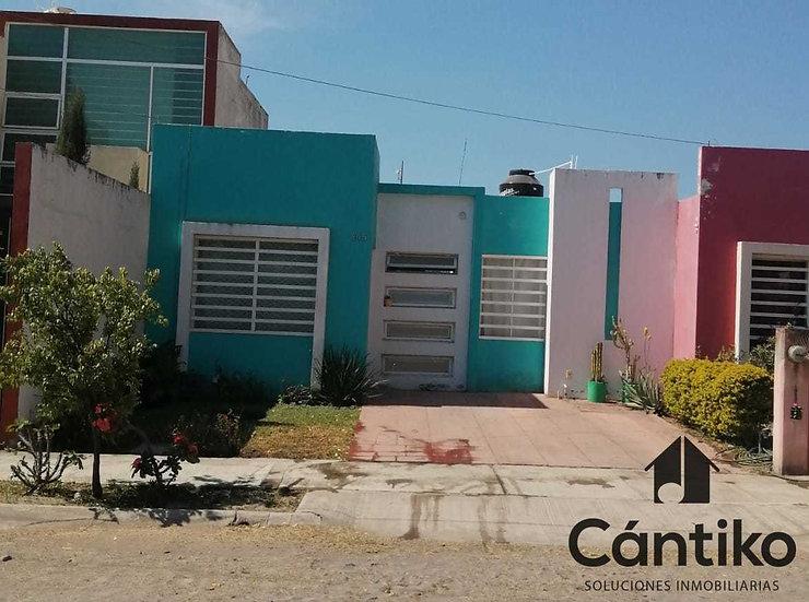 Amplia y Comoda Casa en Puerta del Centenario, Villa de Álvarez, Colima.