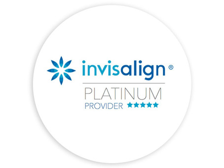 Proveedor Platinum de Invisalign, una certificación que marca la diferencia