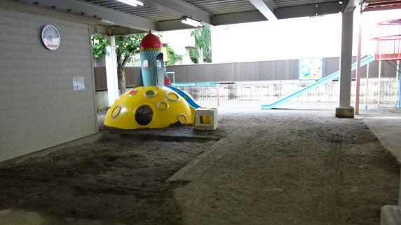 1階:砂場・遊具ゾーン