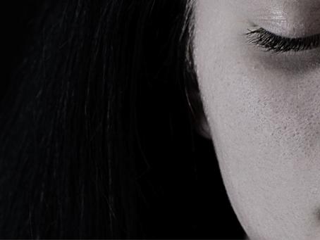 ¿Cómo afecta la tristeza a tu imagen personal?