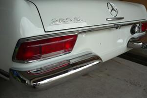 Mercedes-Benz Pagode Heckansicht.JPG