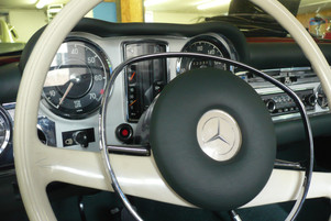 Mercedes Benz Pagode InnenraumrestaurationJPG
