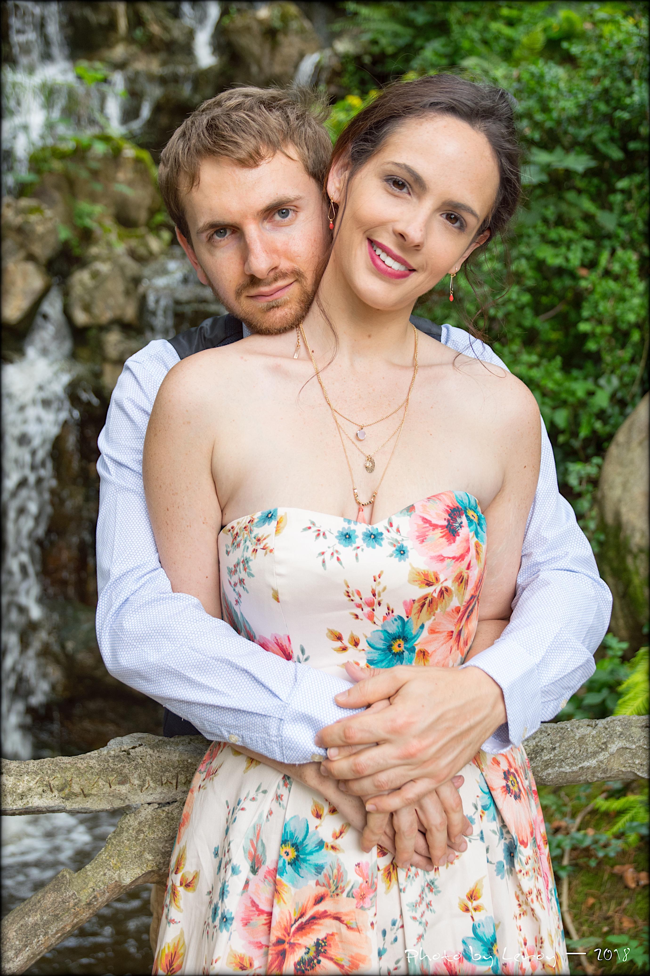 Anne-Sophie et Marc devant cascade Thabo