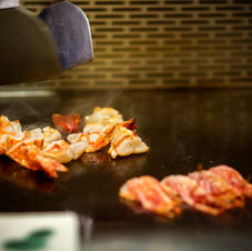 roasting teppanyaki in the restaurant.jpg