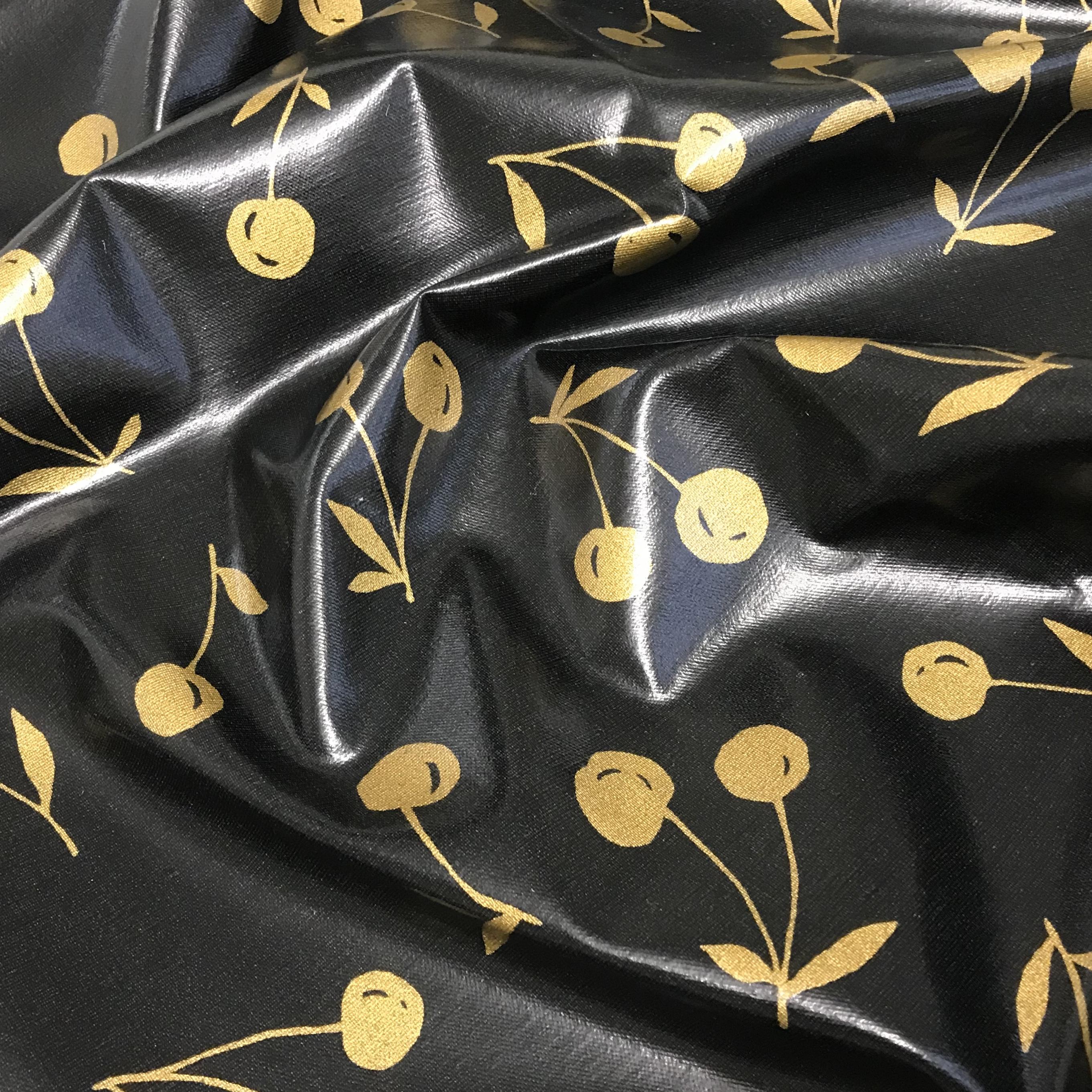 207_Noir cerises dorées