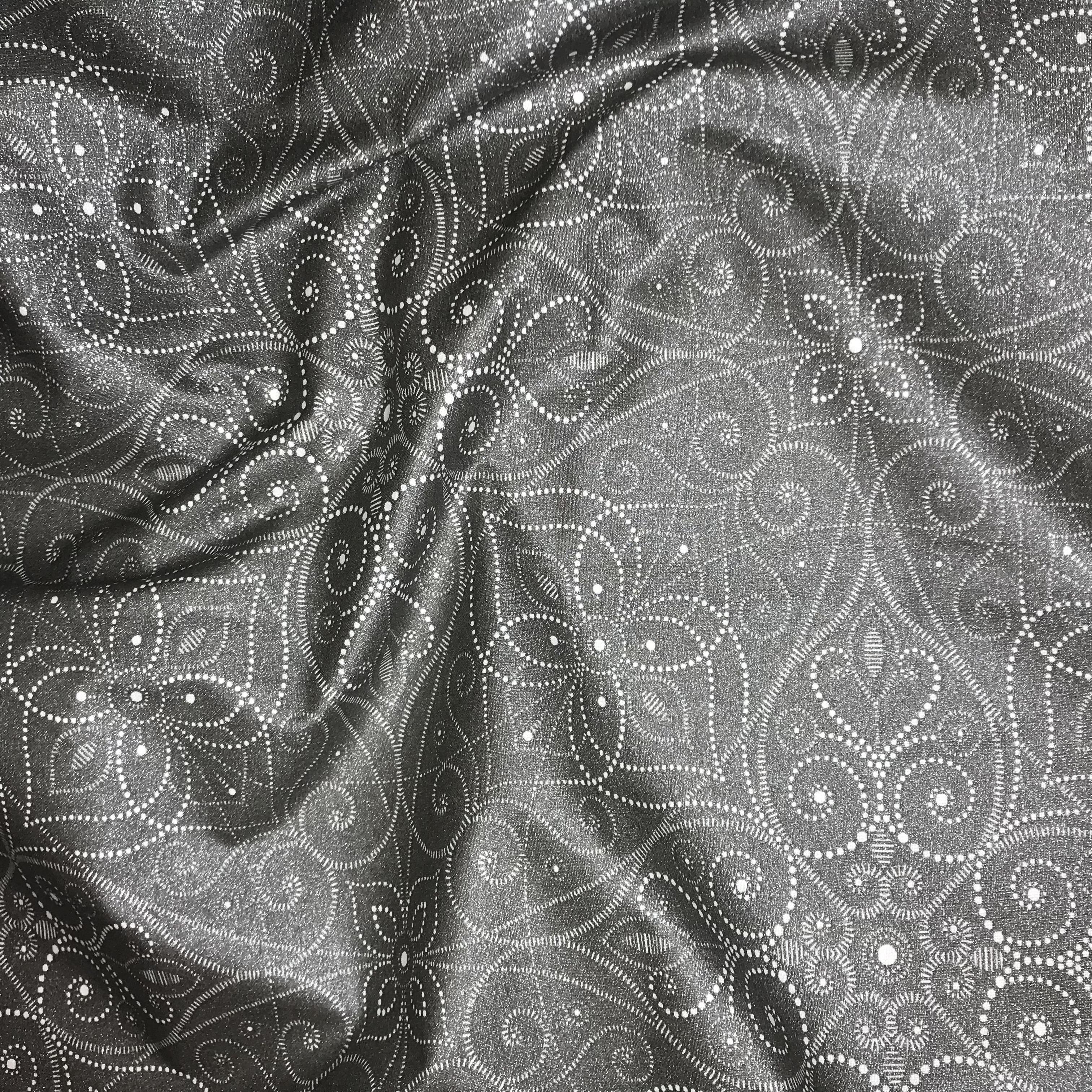 209_Gris foncé motifs blanc