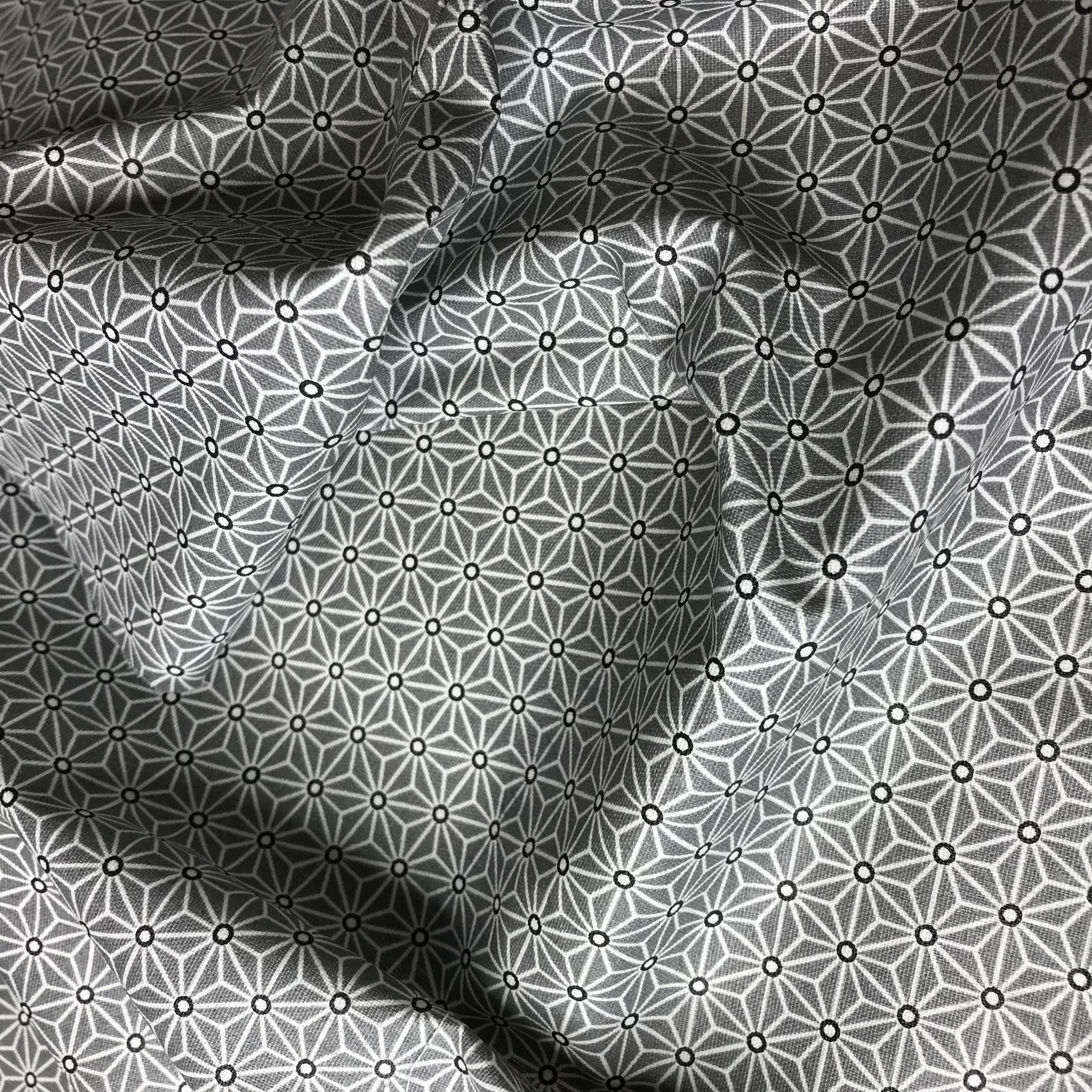211_Saki noir et blanc