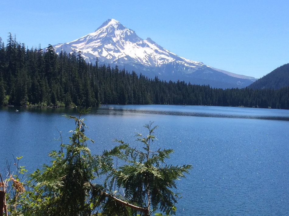 MOUNT HOOD, OR -- Lost Lake hike