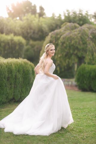 Bride alone 3.jpg