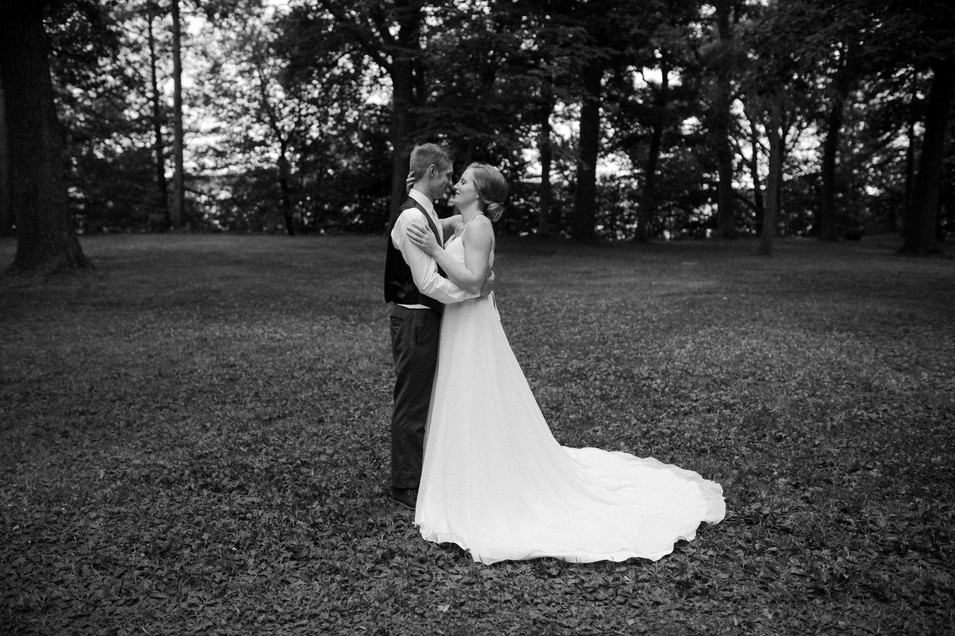 Wedding in the woods in Chisago City, Minnesota