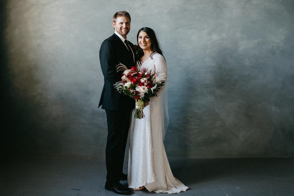 Minneapolis Minnesota intimate wedding elopement, holiday weding, classy wedding