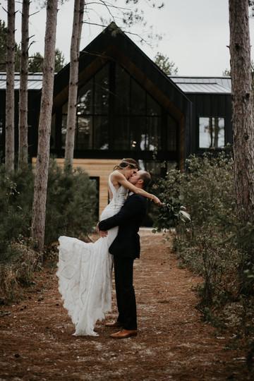 Wedding in the woods in Minnesota