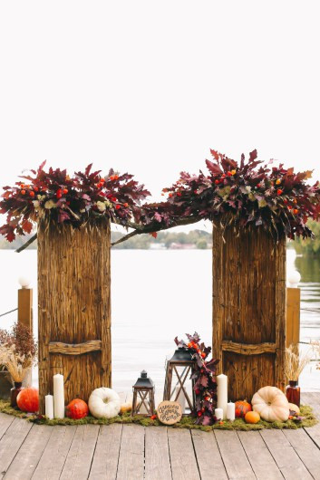 Autumn Wedding Decoration ideas and color combination of fruits and flowers