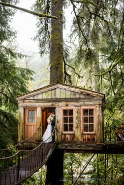 Celtic_treehouse_kilt_wedding4.jpg