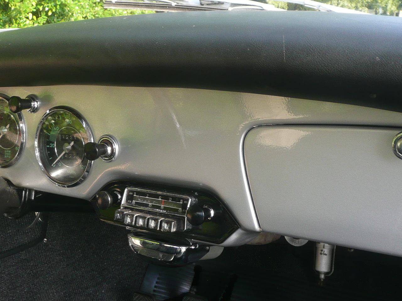 1960 Sunroof Super (28)