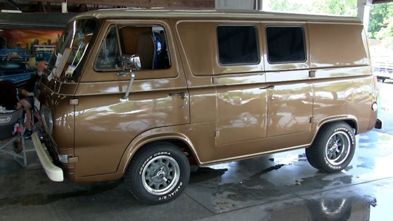 Jim Bulger's 1965 Ford Econoline
