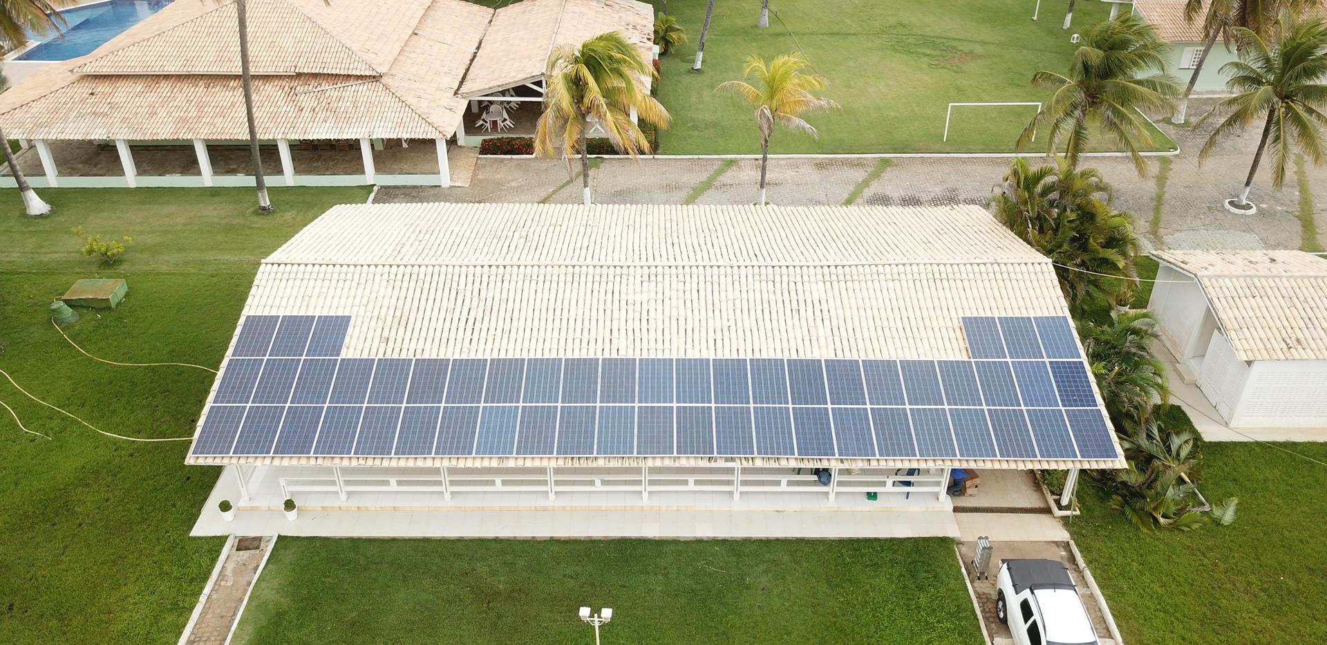 Painéis solares casa de verão
