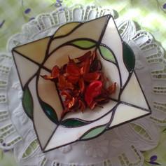 Tiffany tál levelekkel