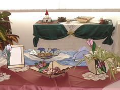 Tiffany, üveg, dísztárgy, ajándék, lámpa, tál, váza, kaspó, tükör, gyertyatartó, szalvétatartó, írószertartó, képkeret, doboz, növényház, ablakdísz, karácsony, bútorüveg, óra,