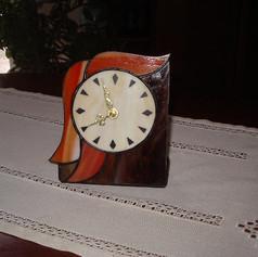 Tiffany óra hullámokkal