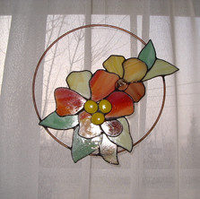 Virág rézkarikán tiffany ablakdísz