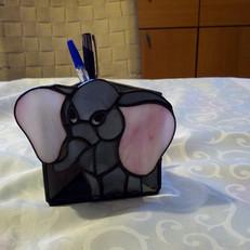 Tiffany írószertartó elefánttal