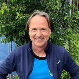Tennislehrer_mike_Quadrat.jpg
