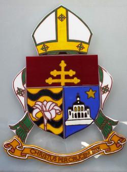 Enameled crest