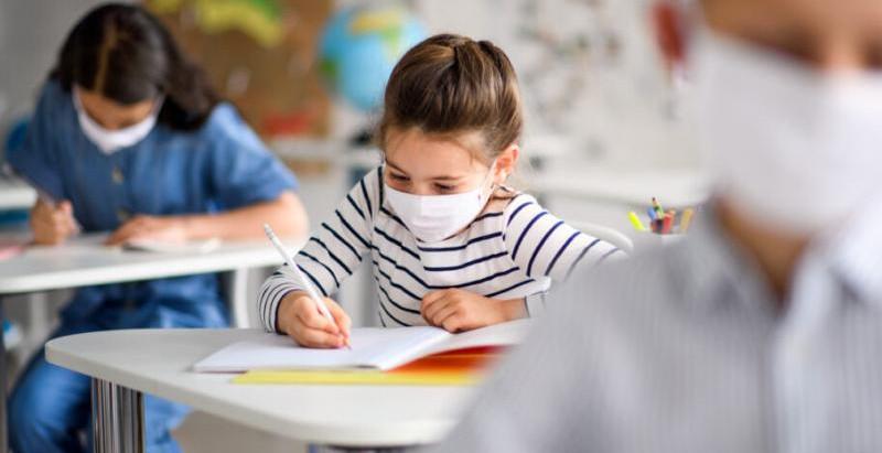 Μάσκες στα σχολεία, τι πρέπει να κάνουν οι γονείς;