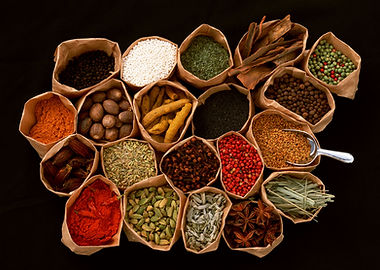 pic of Chinese herbs and foods in bags