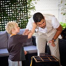 Participation d'un enfant à la magie