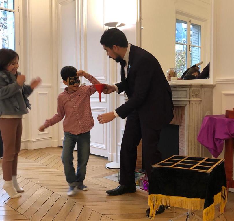 Magicien anniversaire à Paris