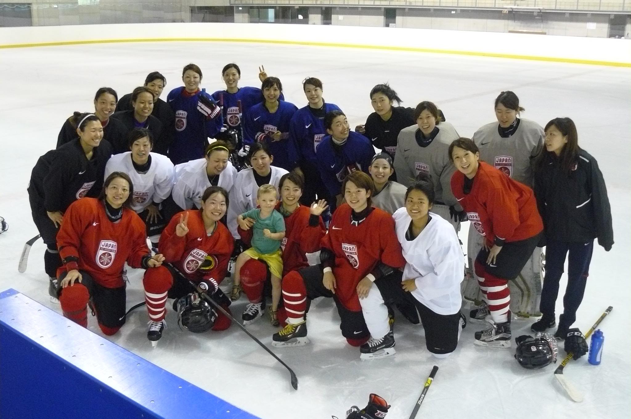 liam avec equipe du japon
