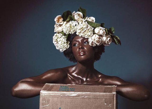 boîte de fleurs 💐 .⠀⠀⠀⠀⠀⠀⠀⠀⠀ Product Br