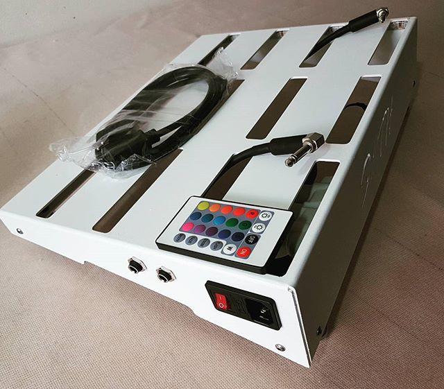 Pedalboard SOTH VELCRO 40x30 completo