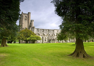 Dunkeld Cathedral, Scotland | 4 Day Private Driver-Guided Tour