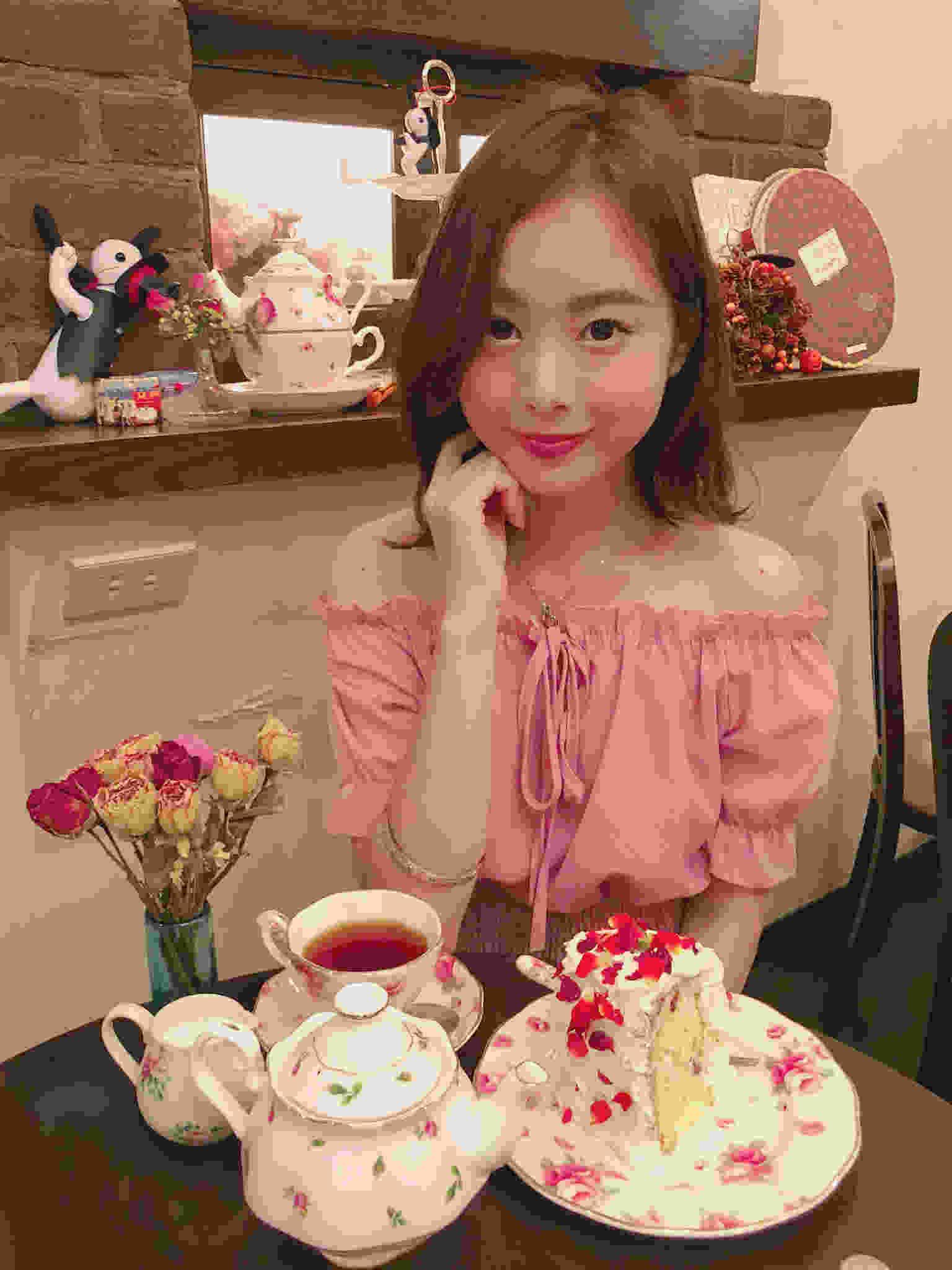 【目白】バラづくしの可愛いフランス風喫茶店「カフェアリコット」