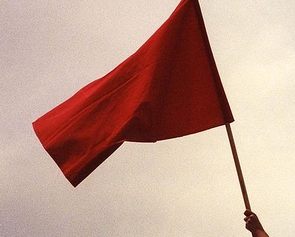 9 Red Flags (That You Know You Bleach White)