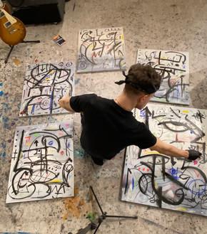 5 Paintings (Behind the Scenes)