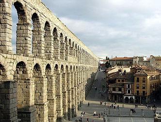 Aqueducto_Segovia_-_c_Manuel_Gonzalez_Olaechea-_y_Franco[1].jpg